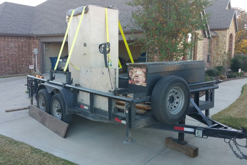 20161116 155753 1479412737634 resized 840x560 - Moving a large Diebold TL30 bank safe