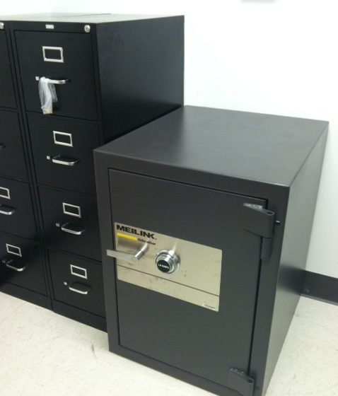 safe move 1 5 478x560 - A new Fireking fire safe placed in an office
