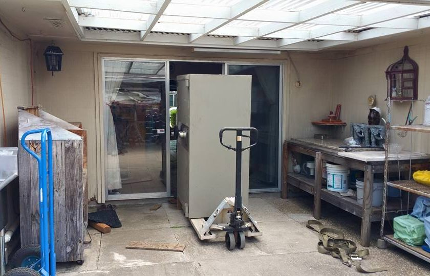safe move 3 14 840x540 - Who Says You Can't Get A 4,500 Pound Jewelers Safe Into A House?